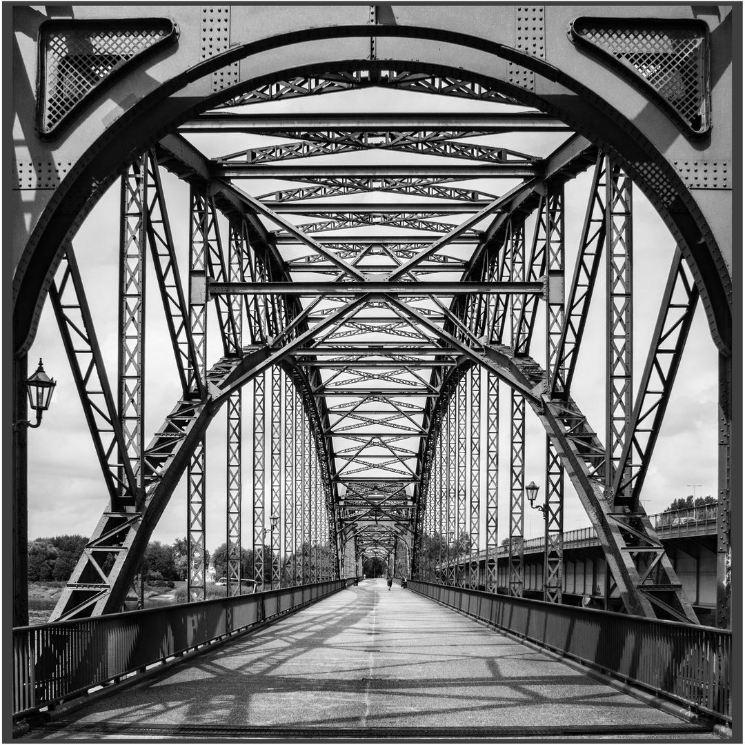 Alte Süderelbbrücke ...