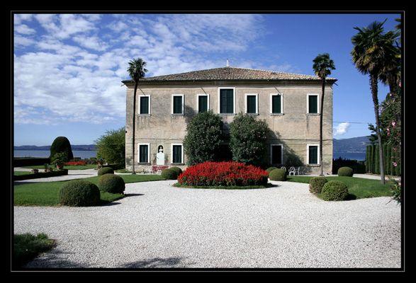 Alte Villa in Garda. ( oberhalb von Punta san Vigilio)