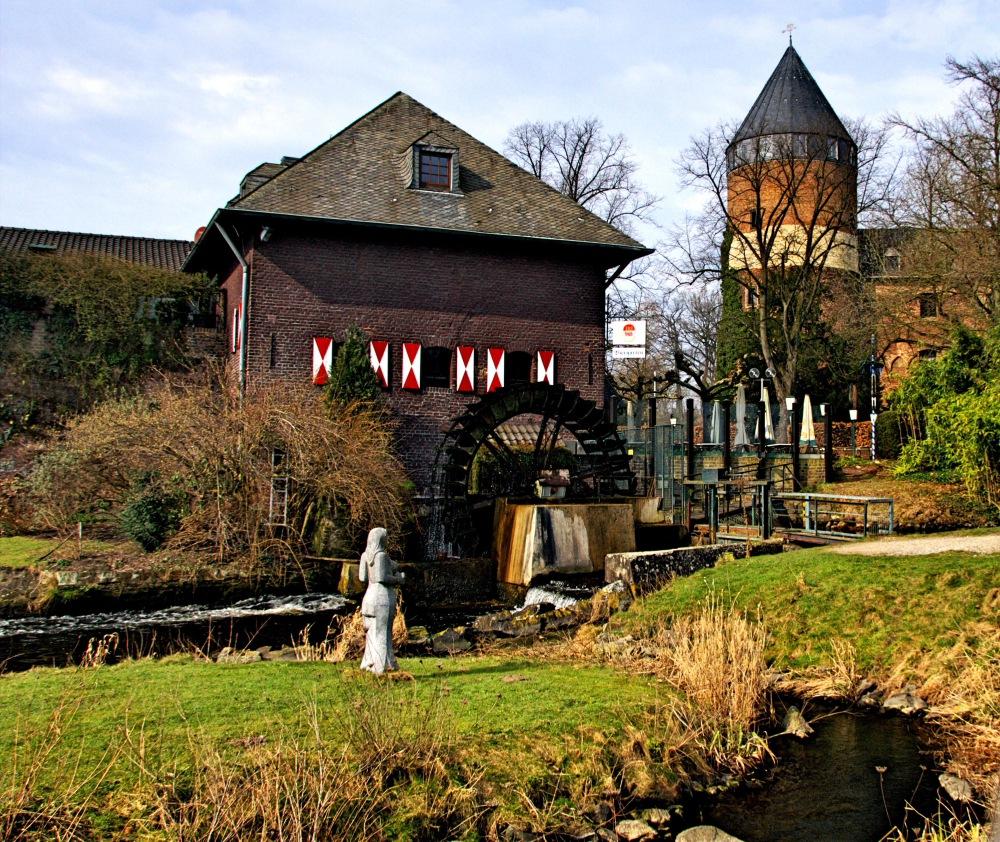 alte Wassermühle ..