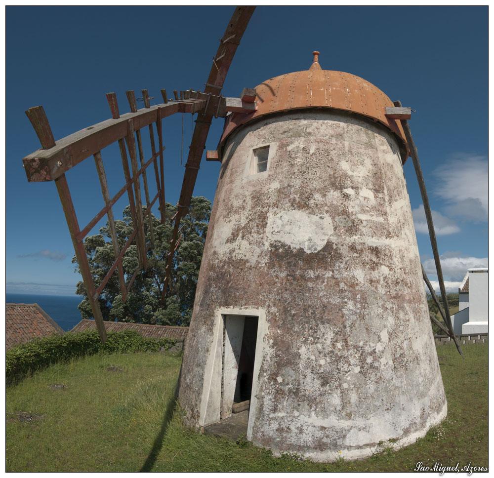 Alte Windmühle bei Ajuda da Bretanha (Sao Miguel, Azoren)