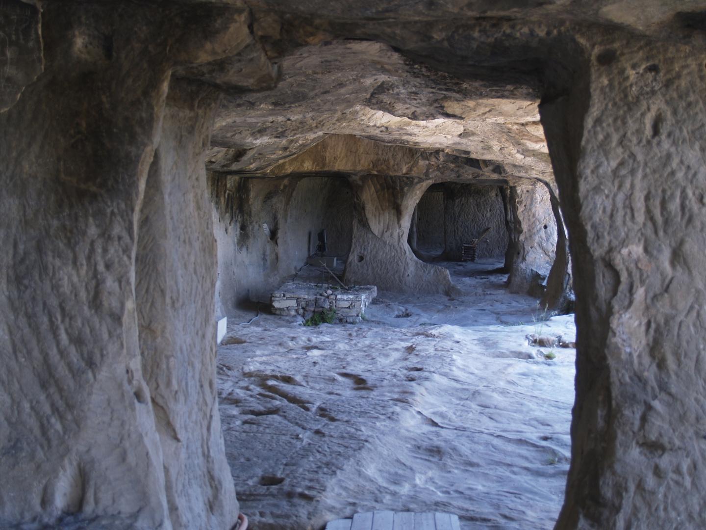 Alte Wohn-Höhlen in Sperlinga - Castello di Sperlinga - Sizilien