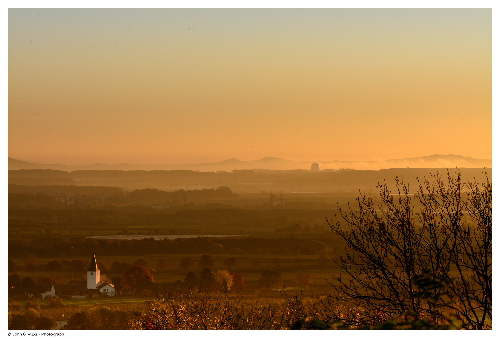 Altendorf (Rheinland) im Sonnenaufgang.
