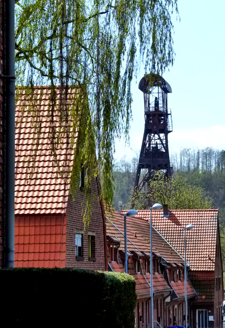 ..alter Förderturm in Hückelhoven..