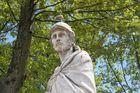 - alter Gotenkönig in frischem Grün - (Plaza de Oriente - Madrid)