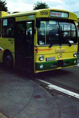 Alter Mercedes Bus