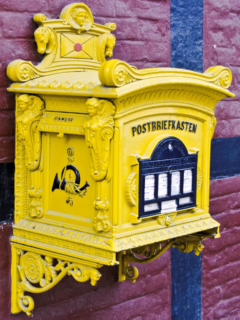 Alter Postbriefkasten