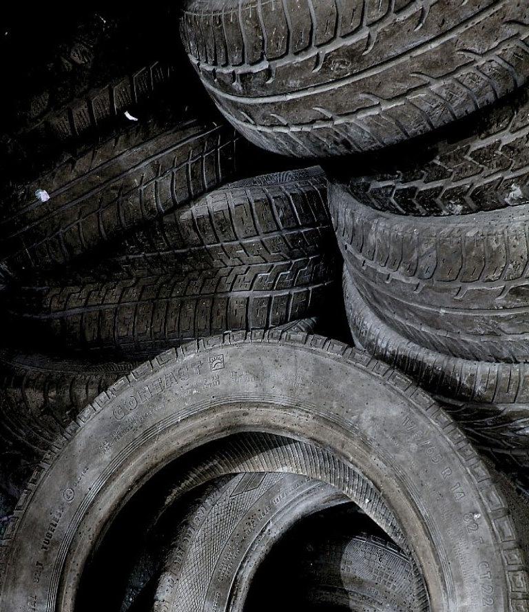 alter Reifenhaufen.......