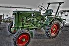 Alter Traktor in HDR
