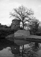 Alter Wehrturm am Schloss Hülchrath