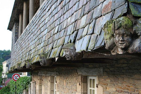 Altes Dach in Malestroit