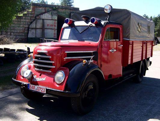 Altes DDR- Feuerwehrfahrzeug