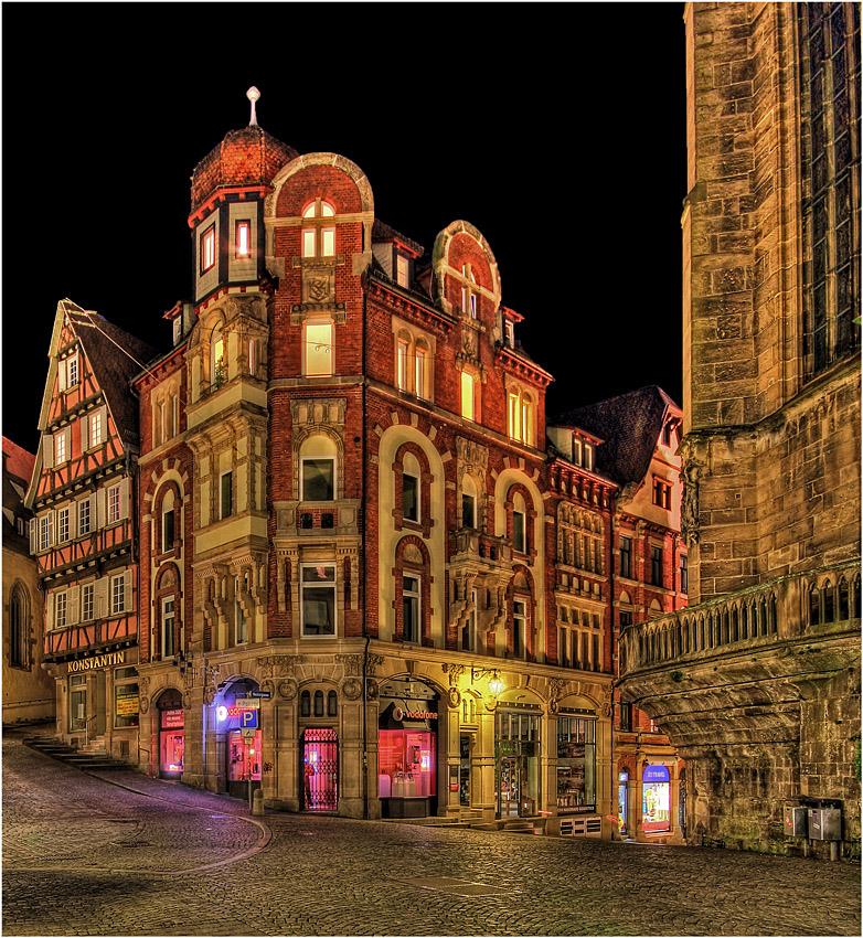 Altes Eckhaus