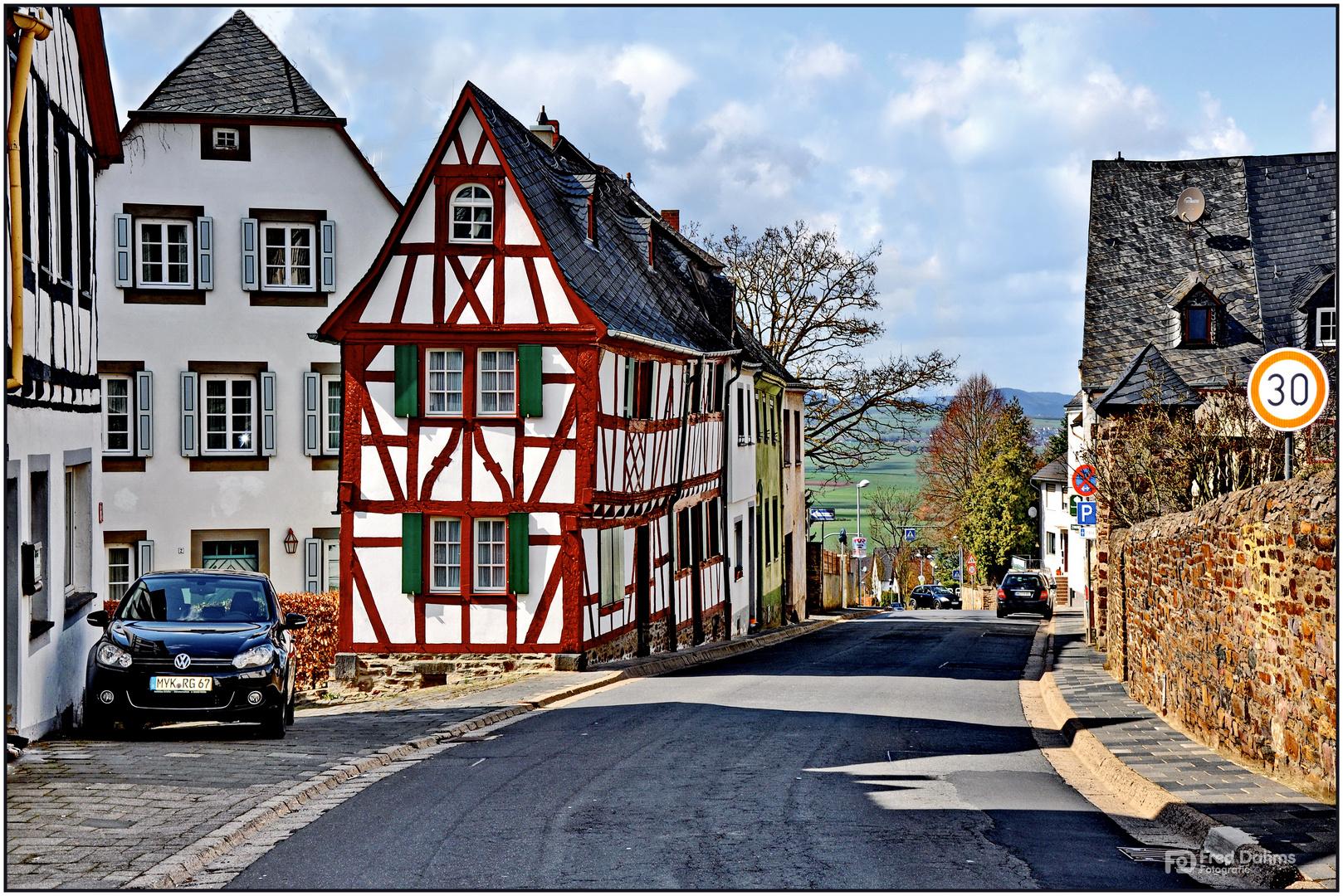 Altes Fachwerkhaus in Münstermaifeld II