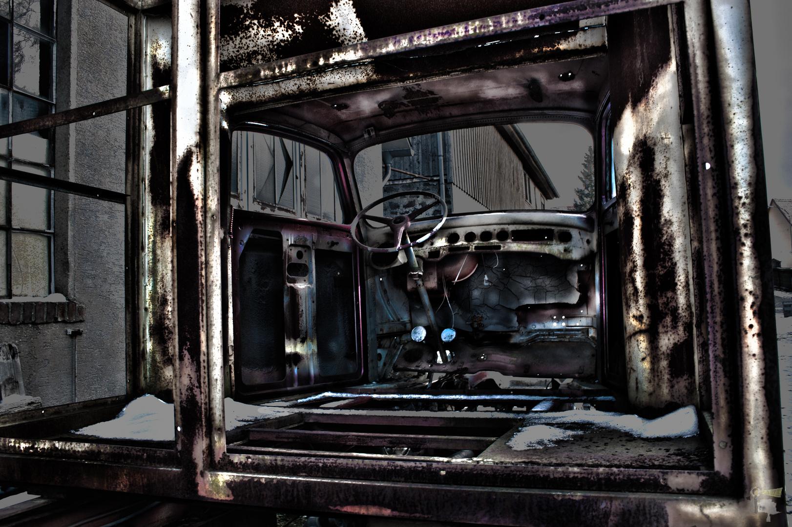 altes Fahrgestell, LENKZEIT............... lange überschritten