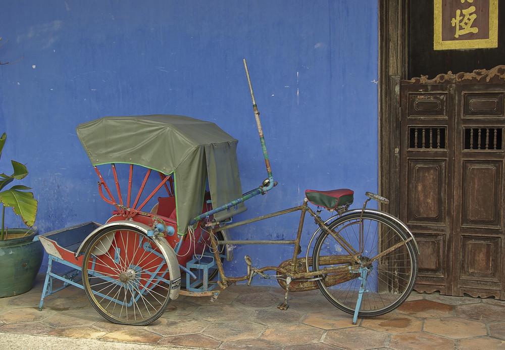 Altes Fahrradtaxi am Haus des Cheong Fatt Tze, Penang, West-Malaysia