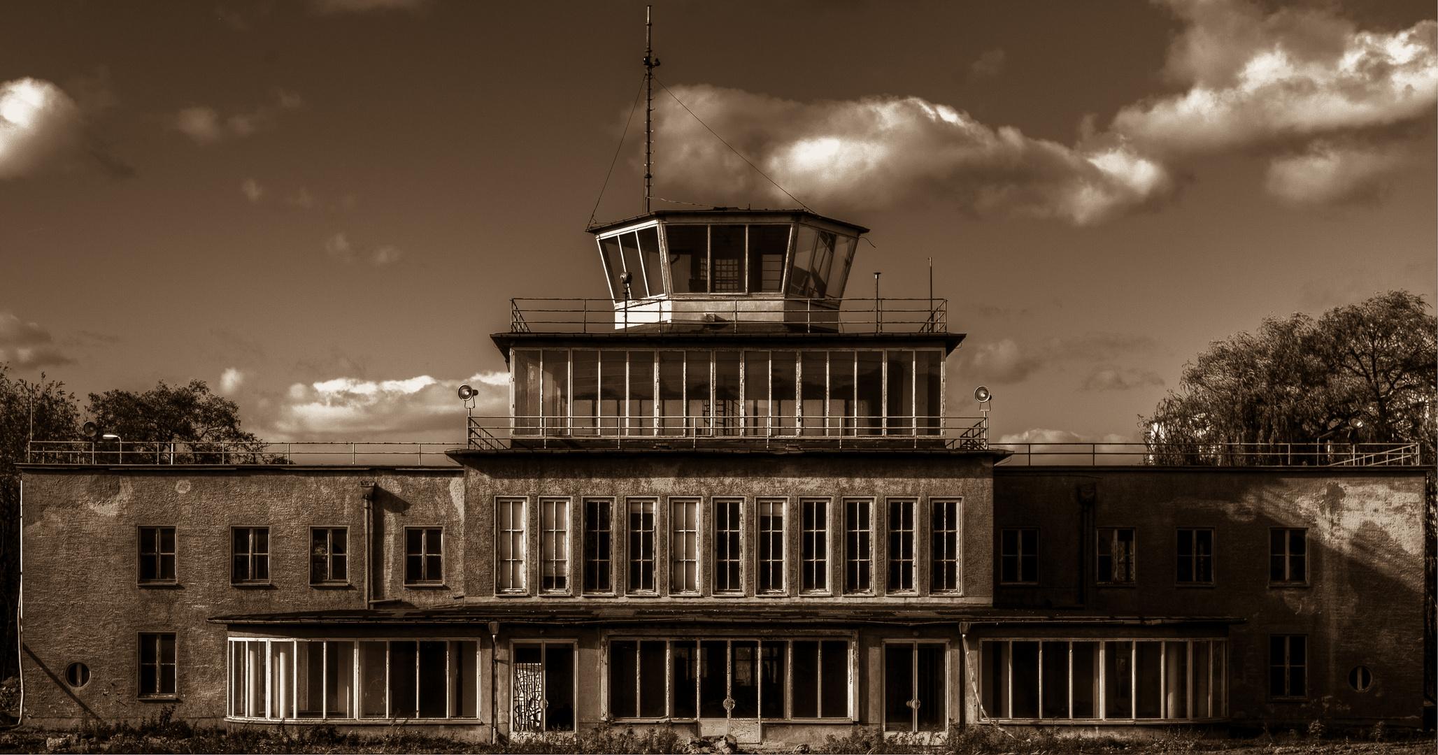 Altes Flughafengebäude