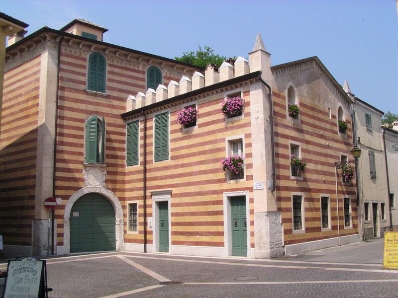 Altes Gebäude in Bardolino am Gardasee