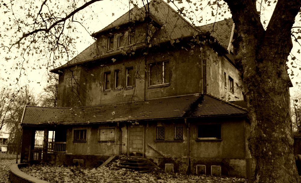 altes haus foto bild architektur lost places mensch. Black Bedroom Furniture Sets. Home Design Ideas