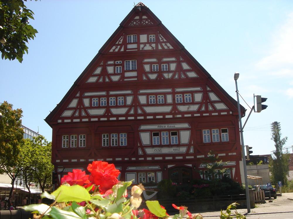 altes haus in kirchheim teck foto bild architektur stadtlandschaft historisches bilder. Black Bedroom Furniture Sets. Home Design Ideas