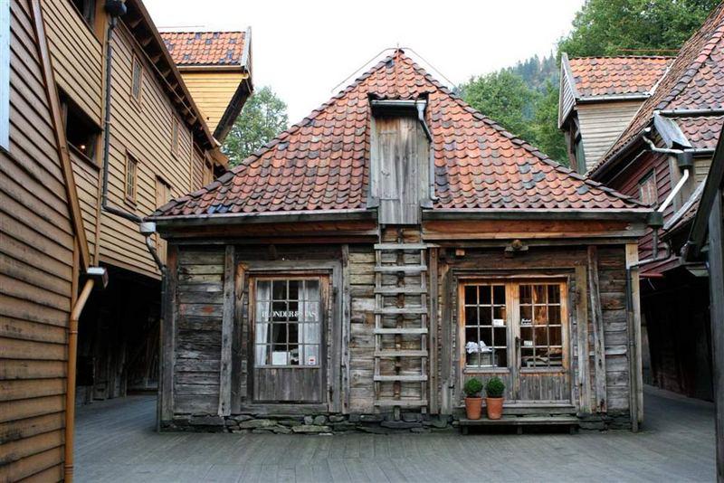 Altes holzhaus bergen norwegen foto bild architektur for Holzhaus architektur