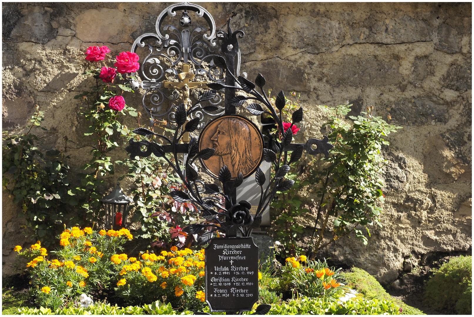 Altes Kreuz am Friedhof von Sexten