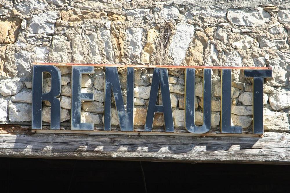 altes Renaultwerbungsschild
