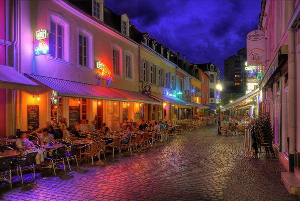 Altstadt Saarlouis; gemütlicher Sommerabend