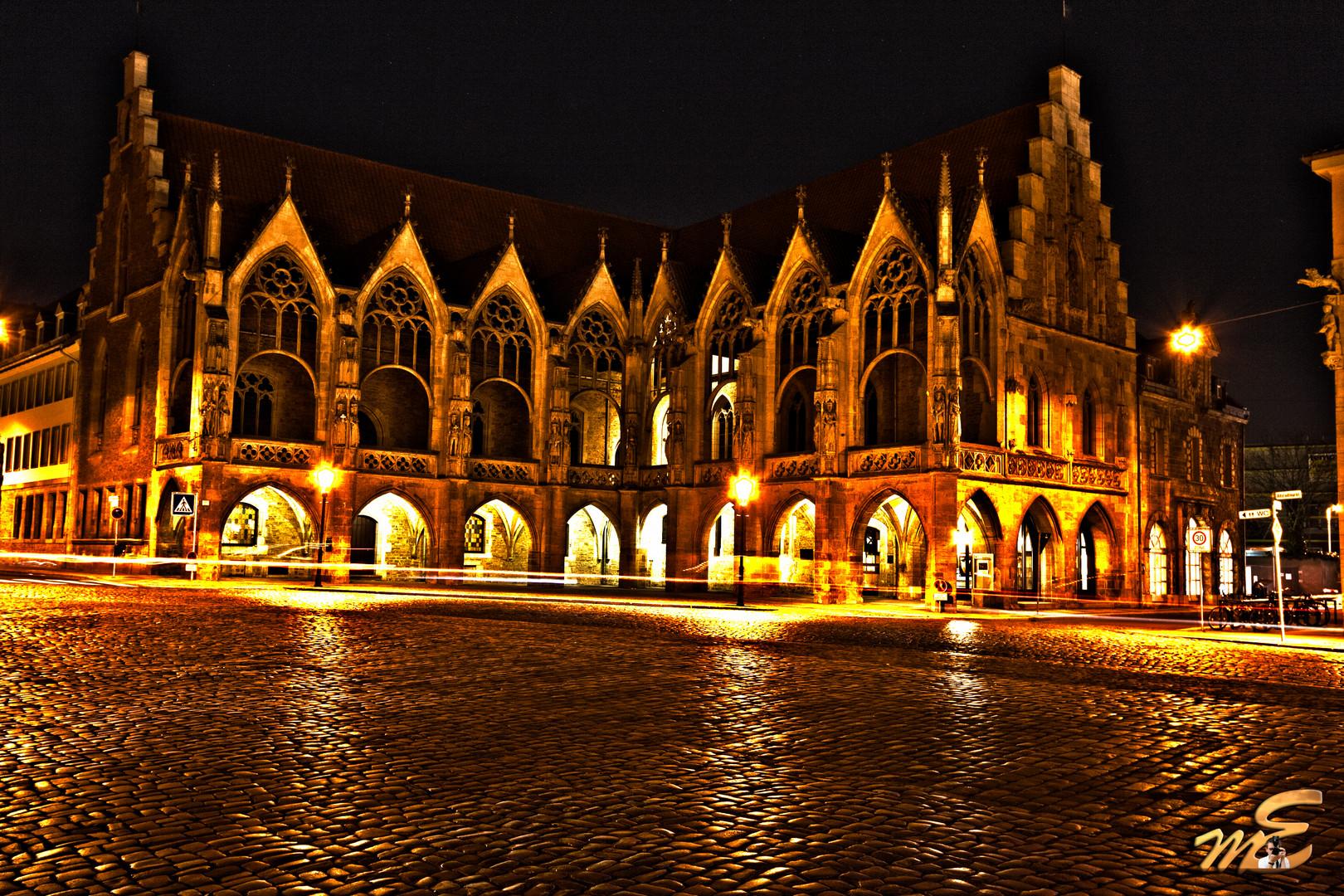 Altstadtrathaus bei Nacht