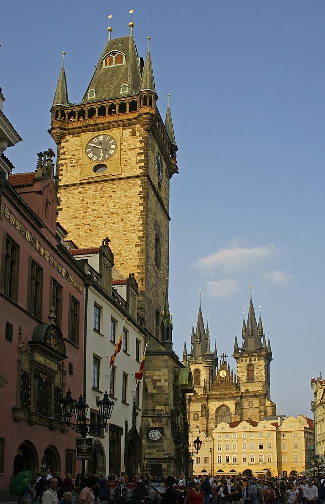Altstädter Ring - Rathaus und Teynkirche