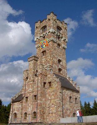 Altvaterturm (Rekonstruktion im Jahr 2004) in Süd-Thüringen.