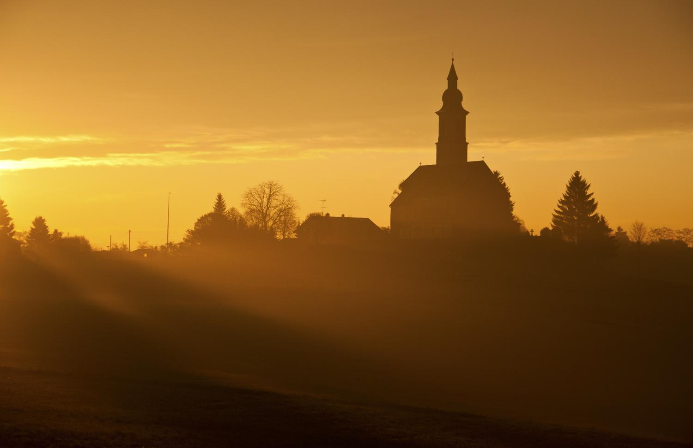 Alxing (Lkrs Ebersberg) im Sonnenaufgang
