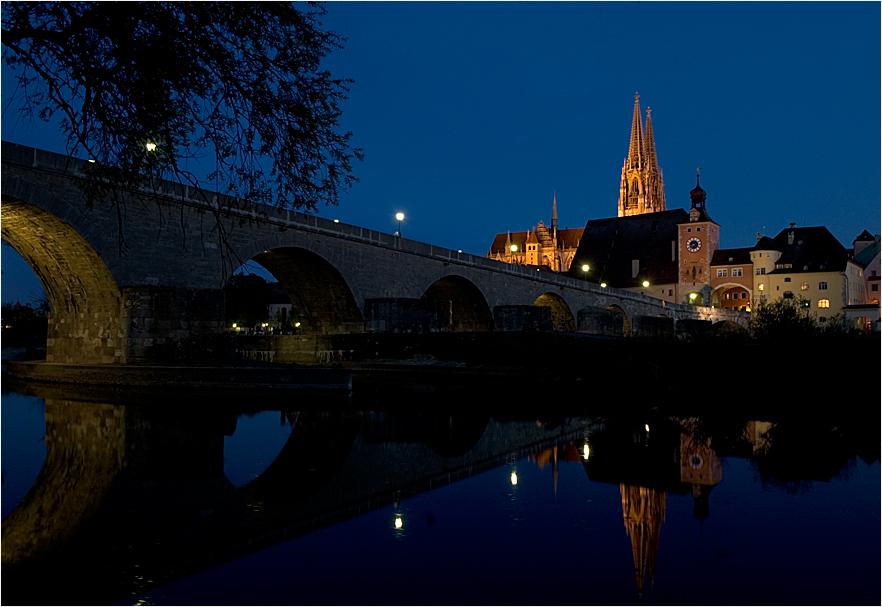 Am Abend an der Donau