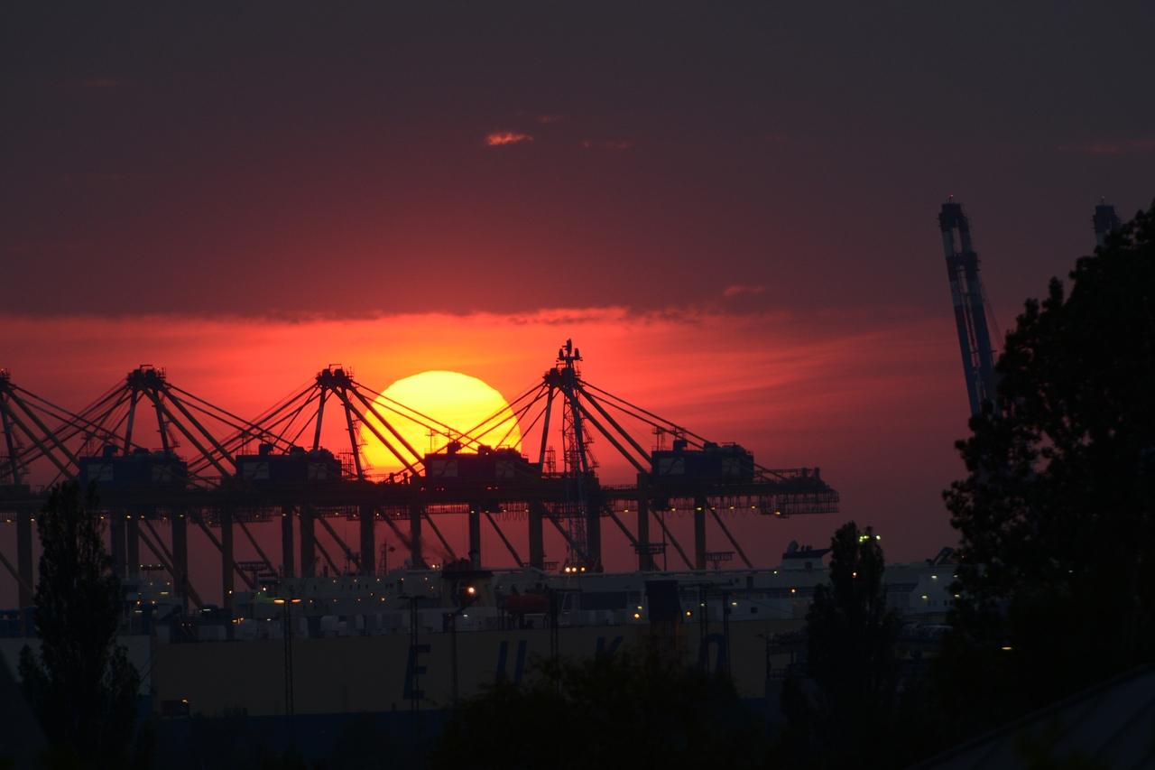 Am Abend im Hafen