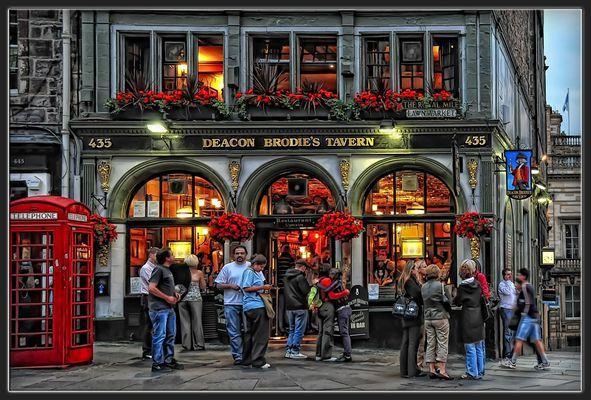 am Abend wirds schnell voll in den Kneipen und Pubs....