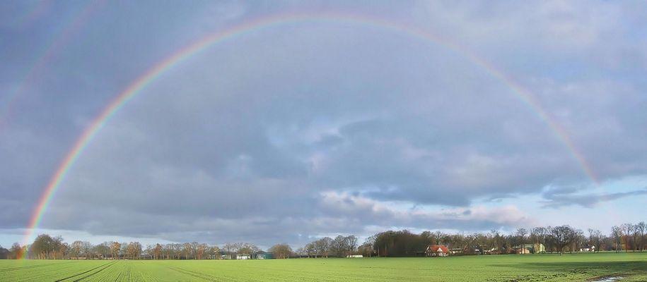 Am Anfang und am Ende des Regenbogens