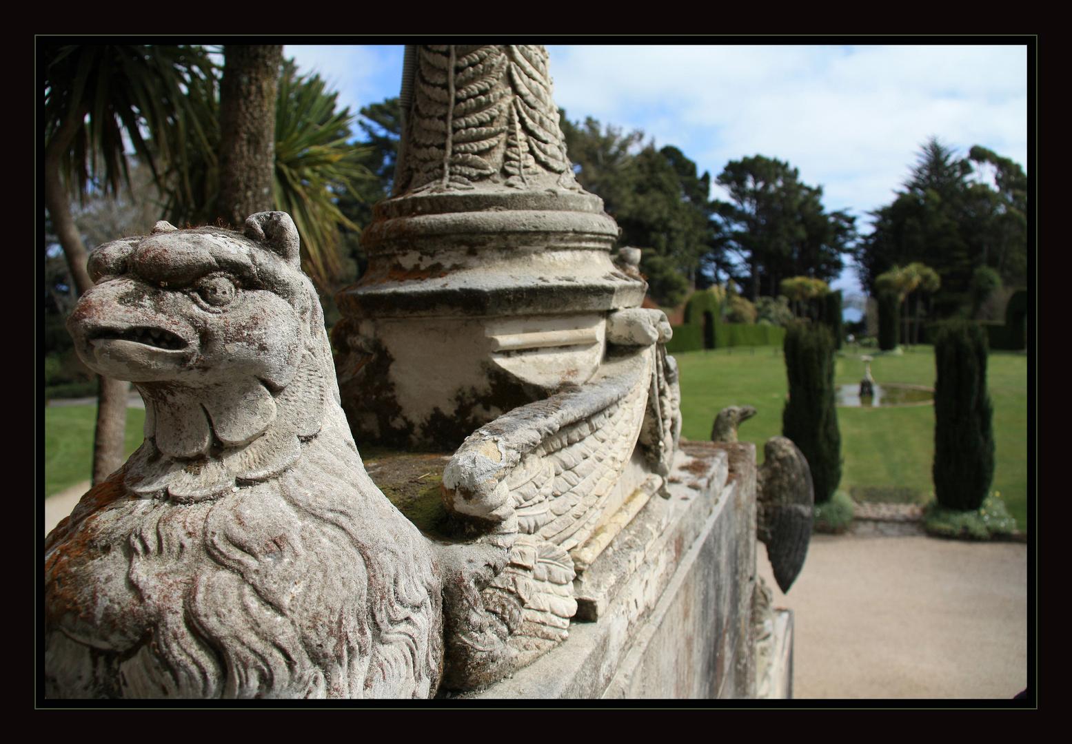 Am Ausgang von Larnach Castle - Otago Peninsula