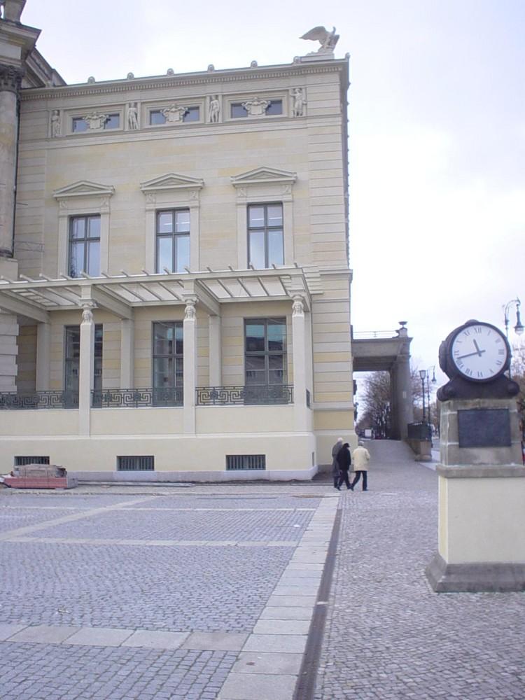 Am Bebelplatz / Unter den Linden 10.11.07