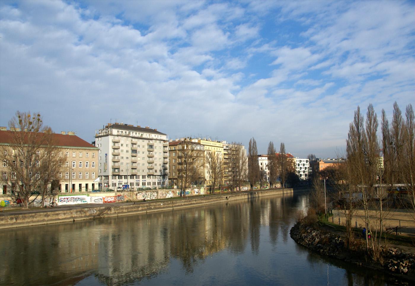 ..am Donau-Kanal..