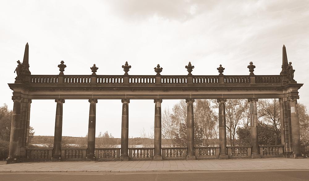 Am Ende der Glienicker Brücke