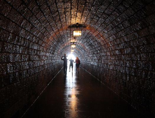 """""""Am Ende des Tunnels ward Licht"""""""