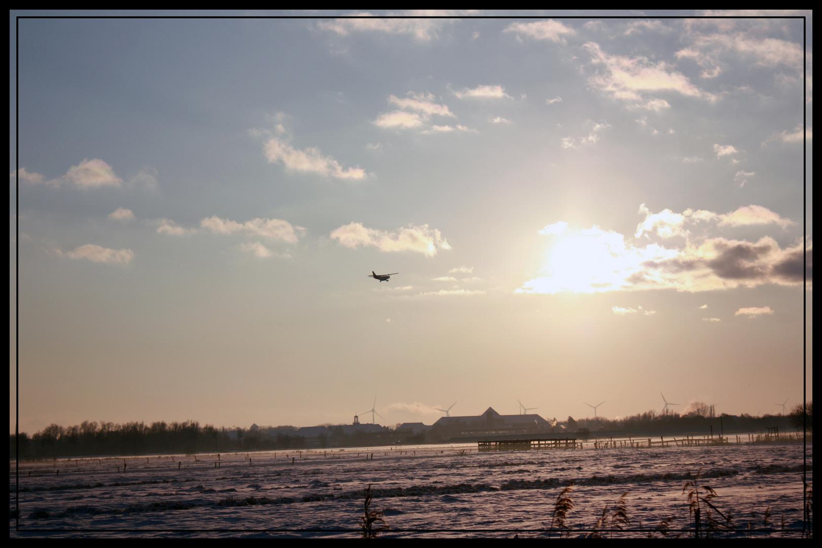 Am Flugplatz Emden