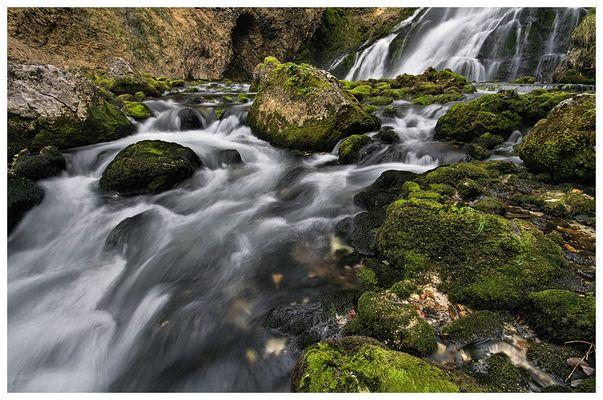 am Fuße des Wasserfall's #2