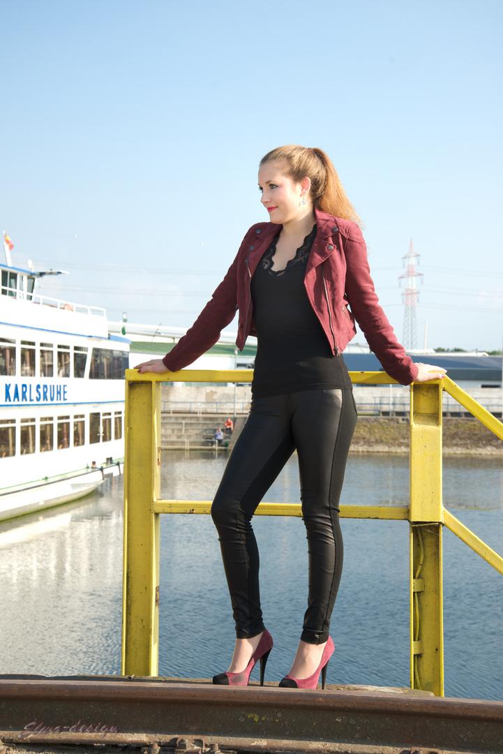 Am Hafen in......? ;)
