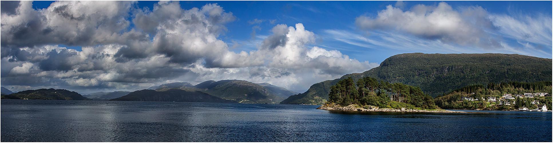 ... am Hardangerfjord III ...