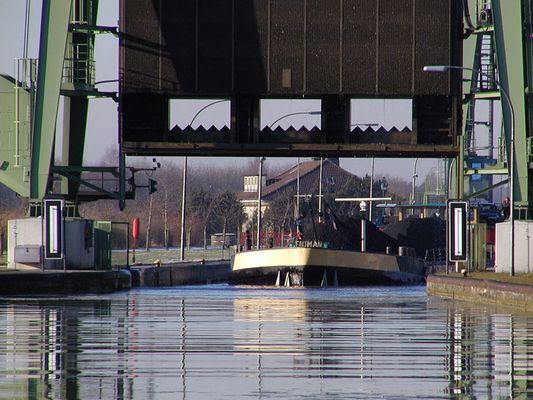 Am Kanal #1- Schleuse bei Henrichenburg/Ruhrgebiet