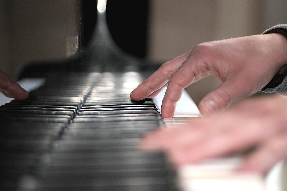 .....am Klavier