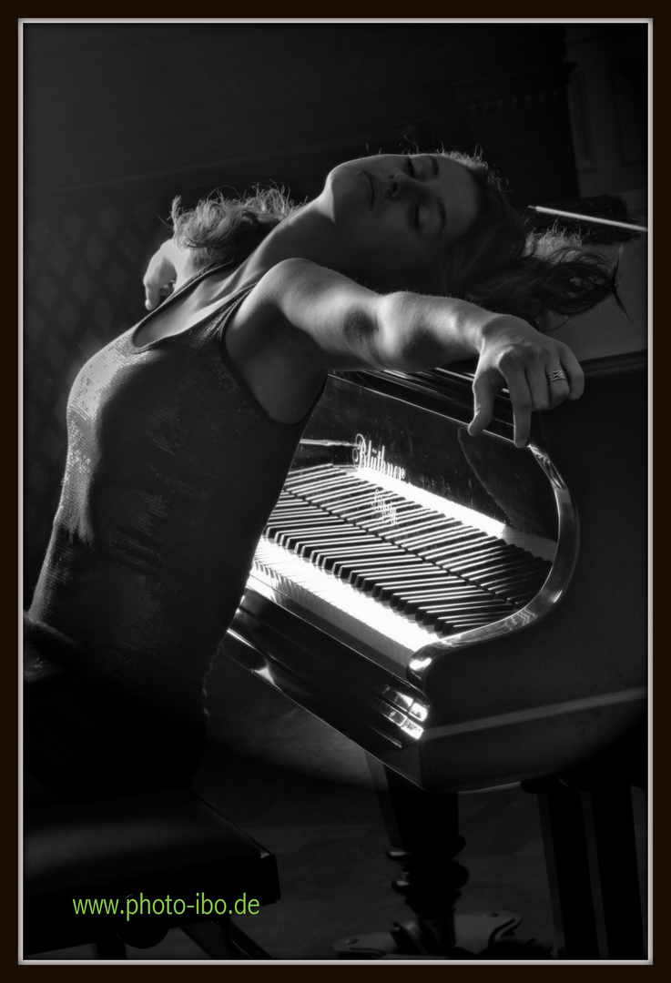 ..am Klavier