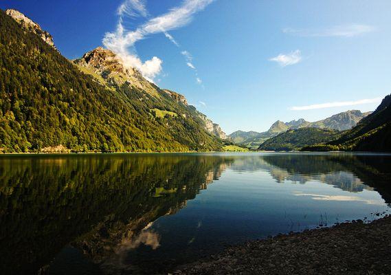 Am Klöntaler See - Glarnerland
