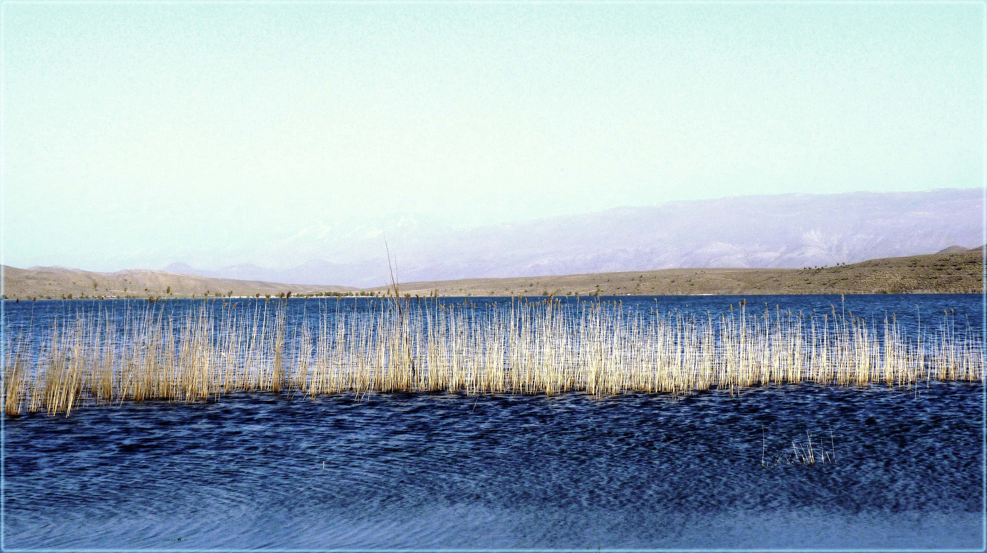 am Lake Tislit ...........................