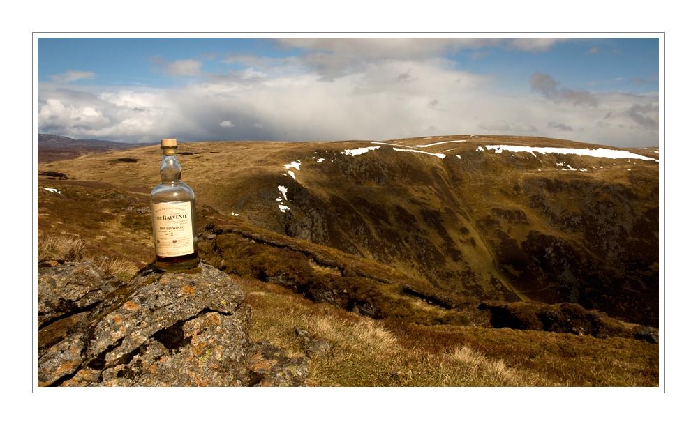 Am Loch Brandy mit Whisky